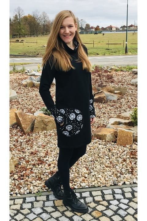 Tunic Collar Black and Black/White Dandelions Fluff
