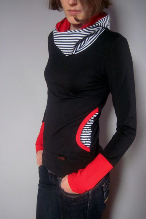 Hoodie Light Black and Stripes/Red