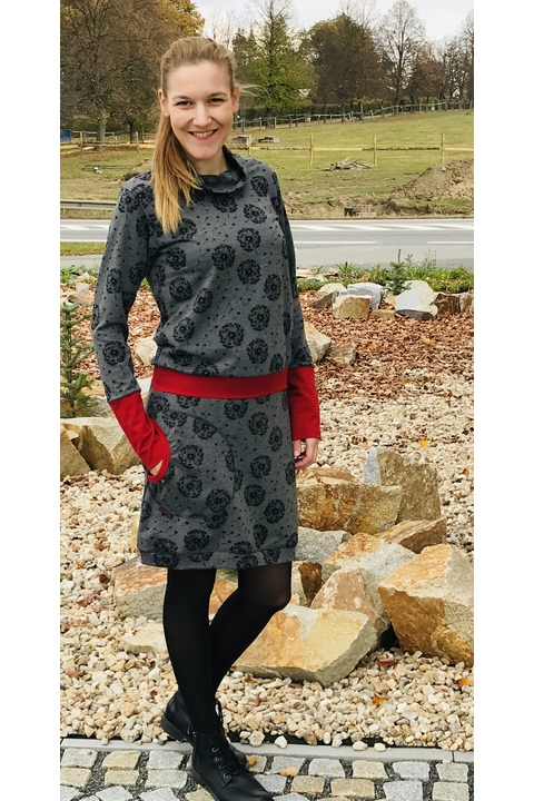 Dress Carrie Long Sleeve Gray Dandelions Fluff/Brick Red