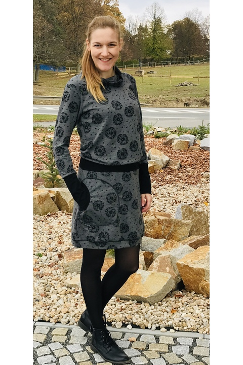 Dress Carrie Long Sleeve Gray Dandelions Fluff/Black